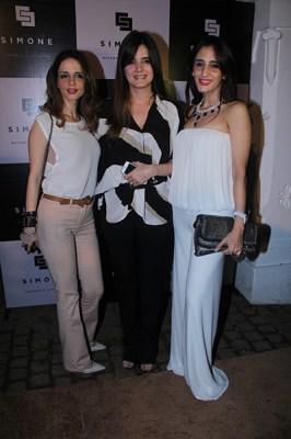 Suzanne Khan, Simone Arora, Farah Khan Ali
