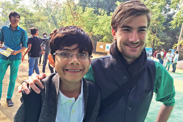 Android Fanboy Shashwat Punjabi with CEPT FabLab head Henry Skupniewicz at Makerfest Ahmedabad, Parmesh's Viewfinder, Parmesh Shahani