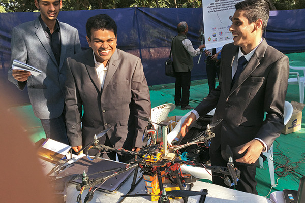 SRM College's drones at Makerfest Ahmedabad, Parmesh's Viewfinder, Parmesh Shahani