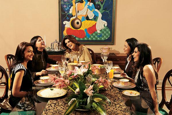 Shabnam Singhal, Pushpanjali Sharma, Reynu Taandon, Shreya Singh, Nikhita Tandon