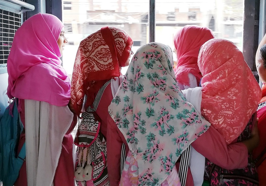 Anushree Fadnavis, Photo Journalist, Mumbai Locals