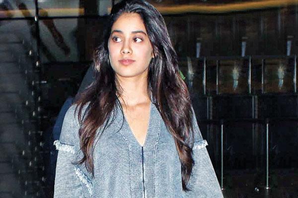 Jhanvi Kapoor, Fashion Influencer, Mumbai
