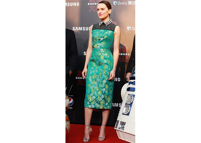 """Fashion, Featured, Online Exclusive, Red Carpet, Style, Daisy Ridley in Prada at the """"Star Wars – The Last Jedi"""" Shanghai Premiere"""