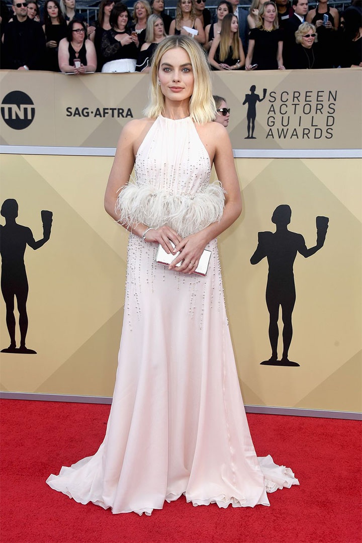 Margot Robbie, Miu Miu, 2018, 24th Annual Screen Actors Guild Awards, Fashion, Featured, Online Exclusive, Red Carpet, SAG Awards, Screen Actors Guild Awards, Style
