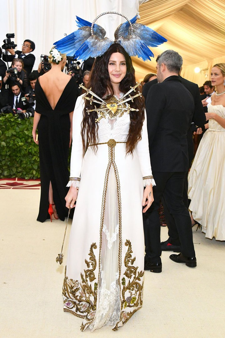 Catholic, Catholicism, Designers, Fashion, Fashion's Biggest Night Out, Heavenly Bodies: Fashion and the Catholic Imagination, Hollywood, Mat Gala, Met Ball, Met Ball 2018, Met Gala 2018, Metropolitan Museum of Art's Costume Institute Gala, Metropolitan Museum of Art's Costume Institute Gala 2018, Papal, Religion, Style, The Vatican, Vestments, Lana Del Rey, Gucci