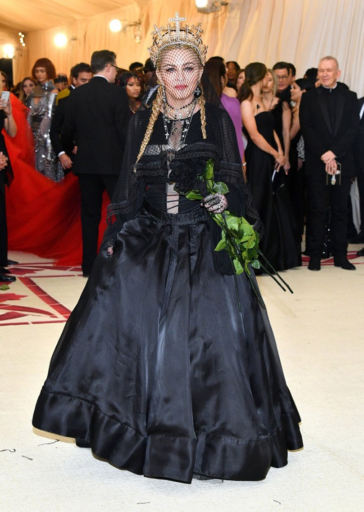 Catholic, Catholicism, Designers, Fashion, Fashion's Biggest Night Out, Heavenly Bodies: Fashion and the Catholic Imagination, Hollywood, Mat Gala, Met Ball, Met Ball 2018, Met Gala 2018, Metropolitan Museum of Art's Costume Institute Gala, Metropolitan Museum of Art's Costume Institute Gala 2018, Papal, Religion, Style, The Vatican, Vestments, Madonna, Jean-Paul Gaultier