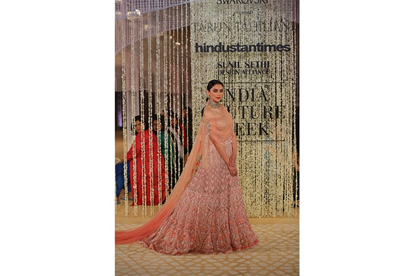 Bridal, Couture, Fashion, Featured, India Couture Week, India Couture Week 2018, Online Exclusive, Style, Tarun Tahiliani, Aditi Rao Hydari