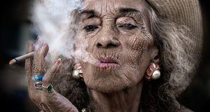 faccia da fumatore, smoker's face,