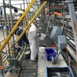 PAGEL V1/50 gietmortel mengen in betonmolen.