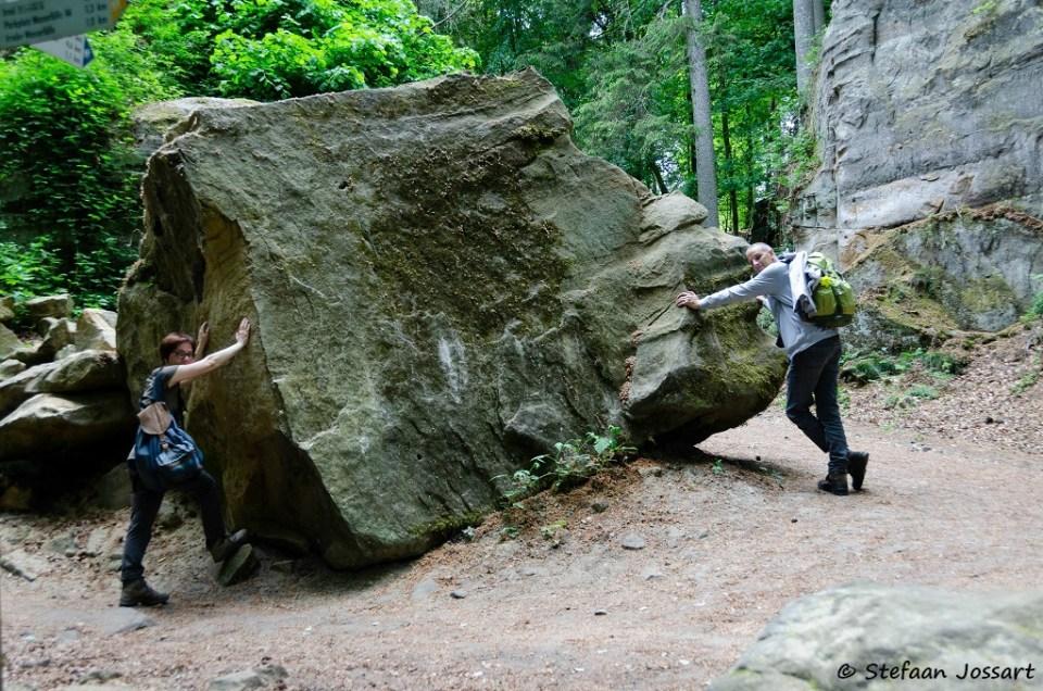 Even energie bijtanken aan dit rotsblok.