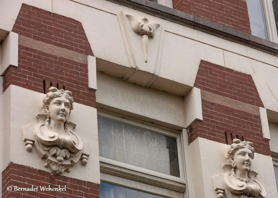 Detail architectuur Amsterdamse gevel.
