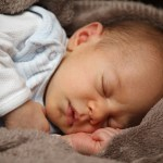 """<p style=""""text-align: center;""""><strong><span style=""""color: #ff5e78;"""">3 Amazing Benefits of Cosleeping</span></strong></p>"""