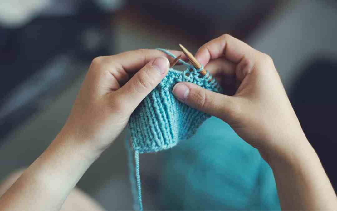 10 Creative Hobbies that Stay-at-Home Moms can Actually Make Money From