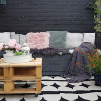 Quick and easy DIY bench seat and a planter for your garden in just couple of hours!