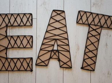 diy-wall-letters-sign