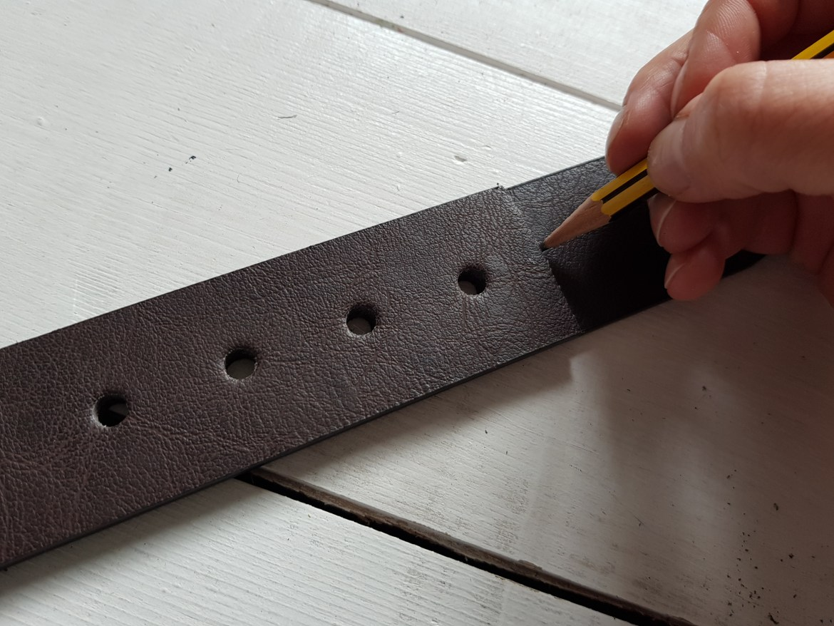 how to make leather strap shelf