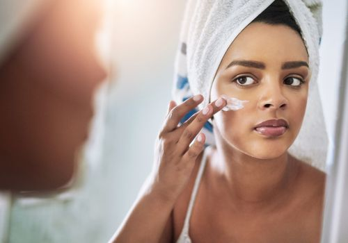 How to Choose a Moisturizer for Acne-Prone Skin