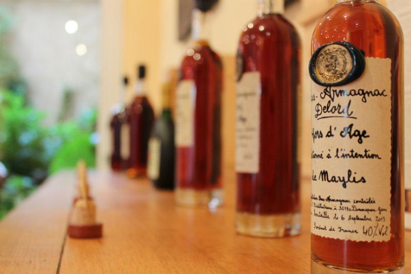 Flacon Armagnac Delord avec étiquette manuscrite personnalisée