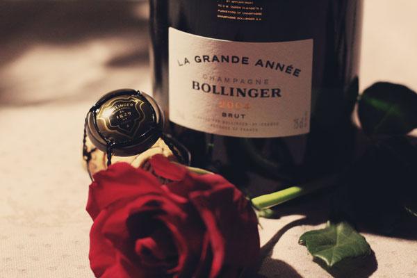 La-Grande-Année-Bollinger-2004-avec-rose