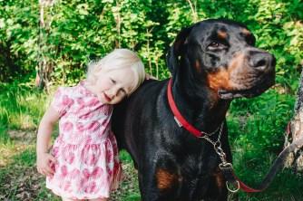 rodzina las dzieci pies