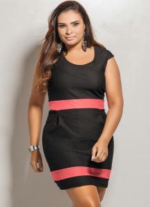 vestido curto plus size preto e rosa
