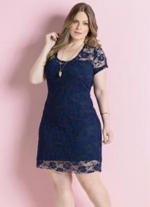 vestido de renda marinho plus size
