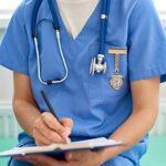 UKCOCO Infirmière Montre Infirmière Fob Montre Infirmiers Montre avec Deuxième Main Clip Montre Revers Montre Clip sur Les Soins Infirmiers Montre Or Rose