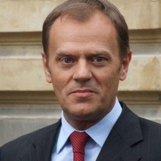 Donald Tusk de la UE no tardó en advertir a Turquía de usar el golpe de estado para aplastar la oposición política.