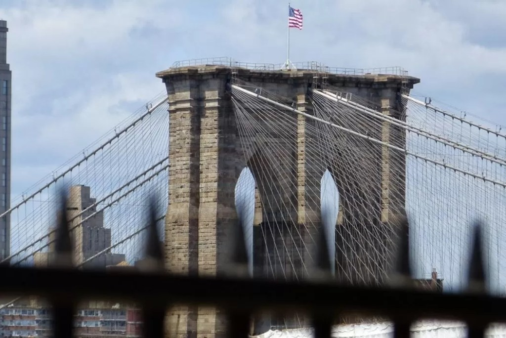 Brooklyn Bridge: zo wandel je over New Yorks meest iconische brug