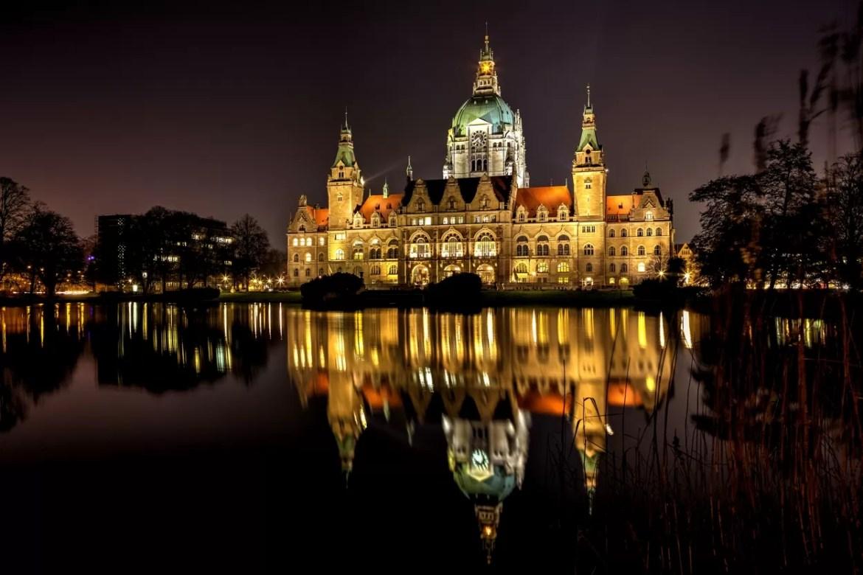 Nieuw Stadhuis by Night.