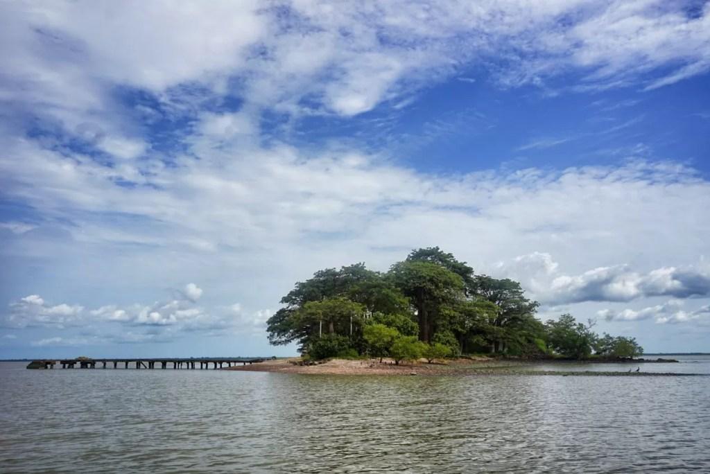 Kunta Kinteh Island, een stukje trieste geschiedenis in de Gambia rivier