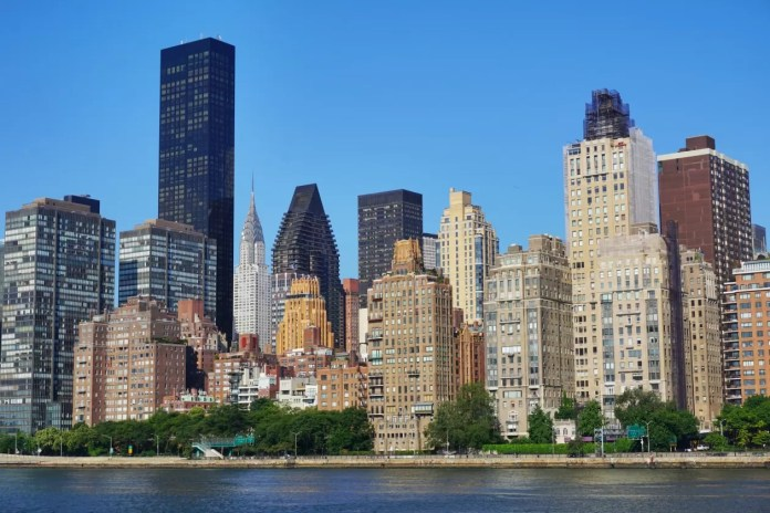 Roosevelt Island Manhattan Skyline New York