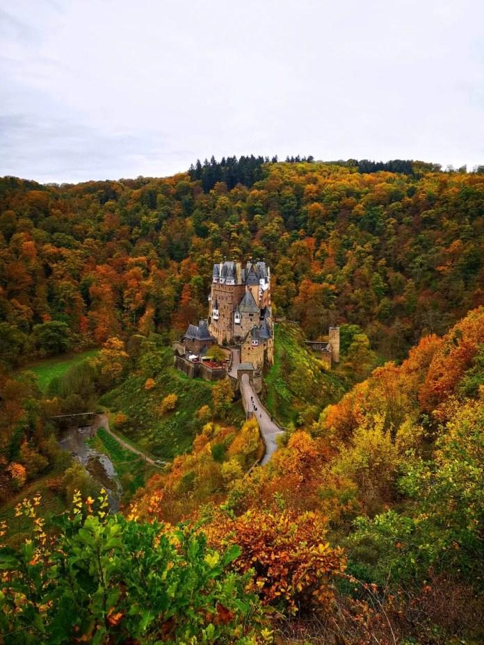 Burg Eltz kasteel duitsland panorama