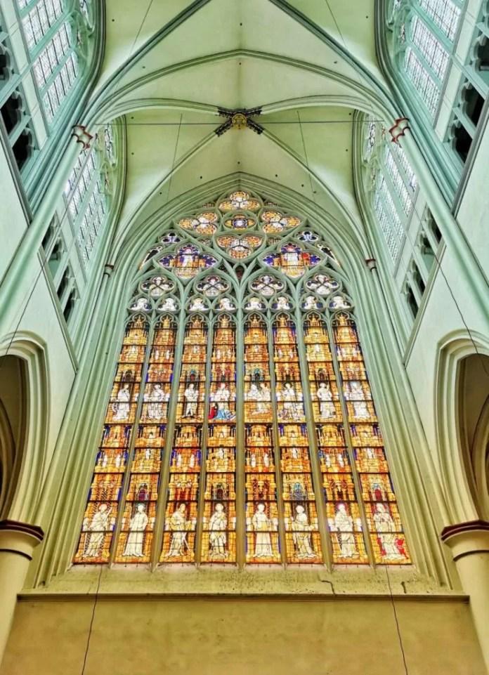 altenberger kathedraal venster roadtrip door duitsland