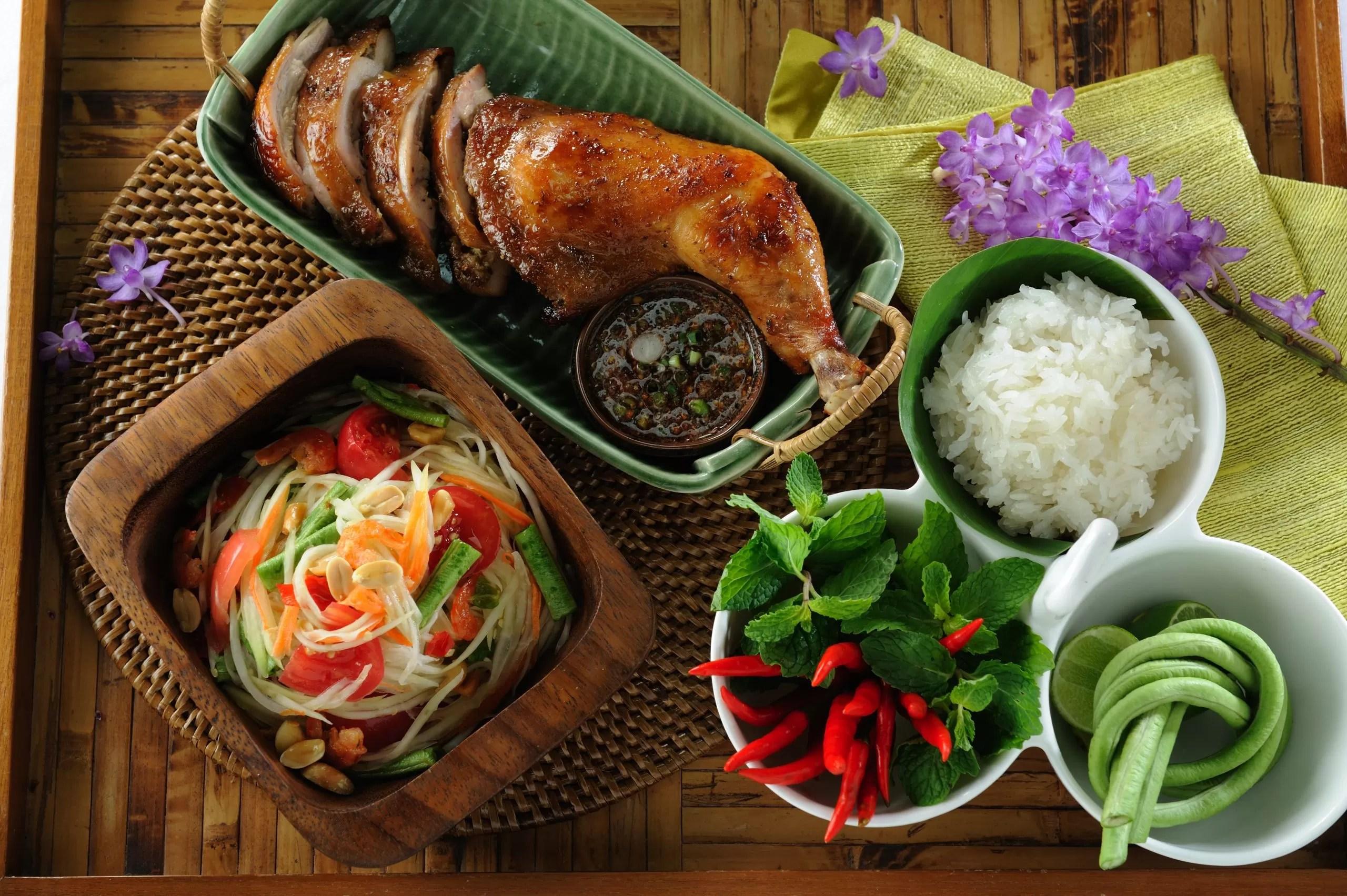 Thai Food Green Papaya Salad  Som Tam  0018TAT scaled