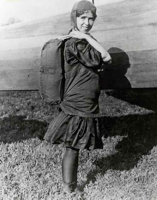 La primera mujer paracaidista Georgia