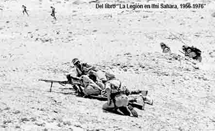 Disparando tumbados en el Sahara