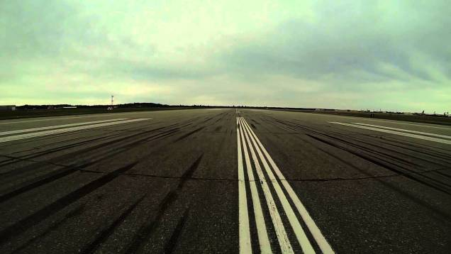 Le Mans 2014 – Corvette Racing tests the C7 at an airport