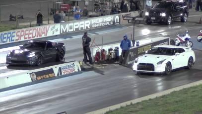 Corvette ZR1 VS. Nissan GTR drag race