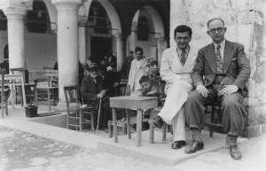 Sabahattin Eyüboğlu ile Ahmet Kutsi Tecer, Kastamonu'da, 1940