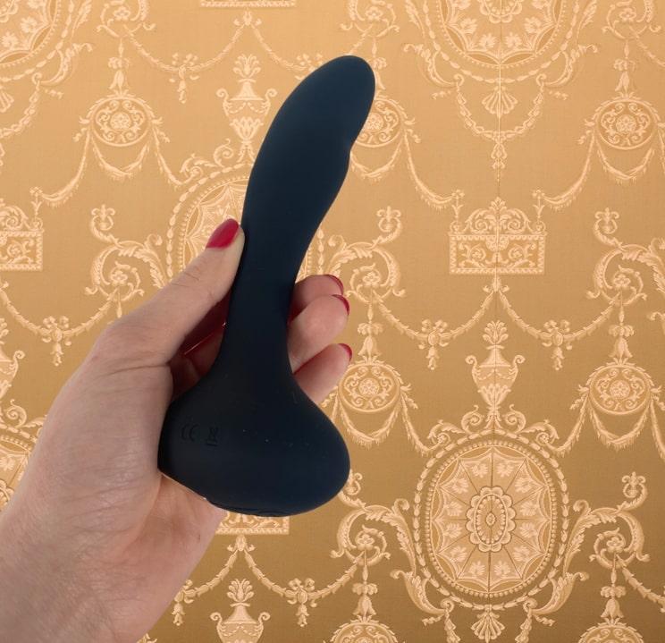 Female sex toys, female vibrators, wearable vibrator, vibrating necklace, high-end vibrators, v for vibes ejaculating dildo wand vibrator, dildo, vibrating dildo, artificial penis, dildo, silicone dildo, silicone artificial penis