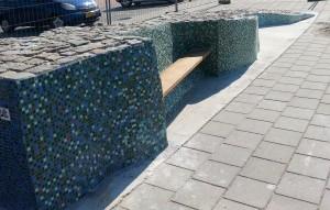 Wethouder Lavinja Sleeuwenhoek onthult kunstwerk in Gouderak