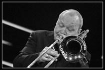 Posaunist Nils Landgren mit der Jazzkantine am 14. MŠrz 2012 in der Burghauser Wackerhalle. (Foto: Robert Piffer)