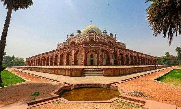 AugTraveler – Dheli-based Startup built AR App to experience India's Monuments and Heritage Sites