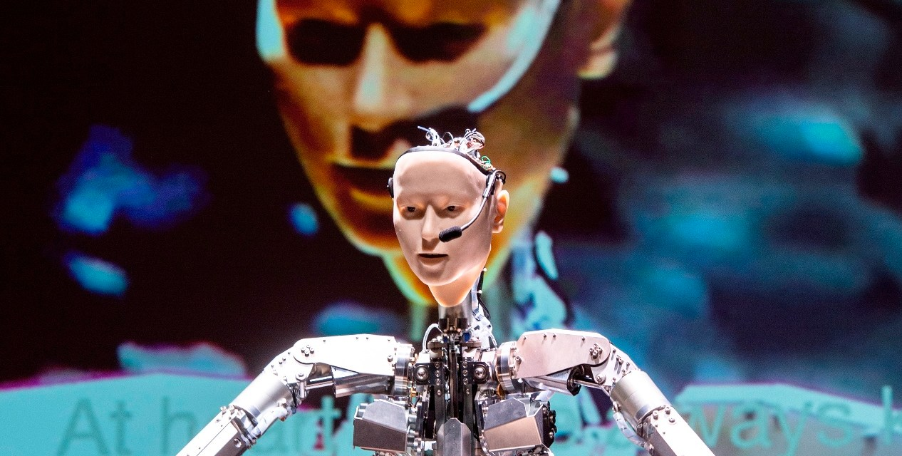 """Is it AI or a Circus Automaton? Alter 3 conducted """"Scary Beauty"""", a German debut performance with the Japanese Philharmonic Düsseldorf and Keiichiro Shibuya (piano)"""