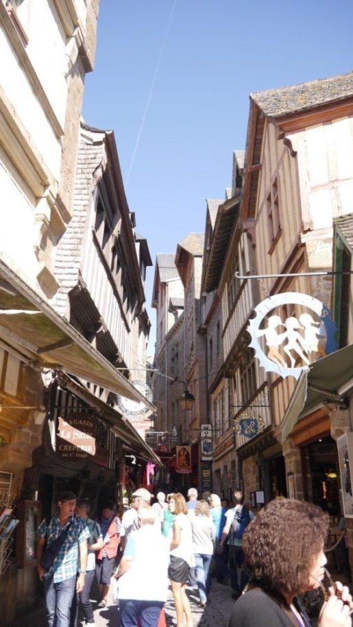 フランス モンサンミッシェル 街並