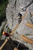sur la planche de la via ferrata initiation alpes provencele caire