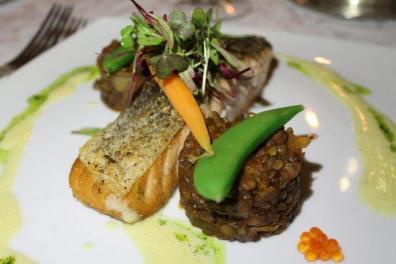 Salmão da Noruega com lentilha marrom, para prato principal