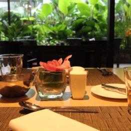 Área externa do Melt Café, no MO Singapore