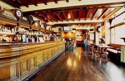 I whisky e i pub più antichi della Scozia